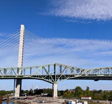 Les deux ponts Champlain