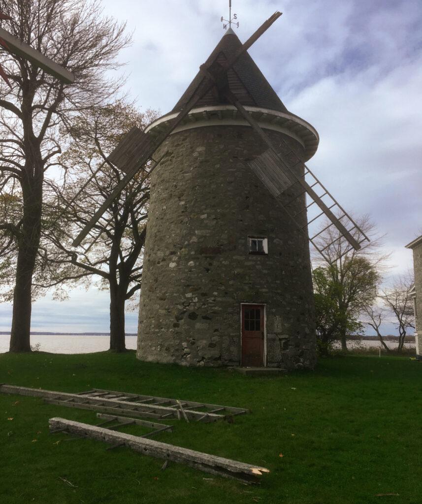 Le moulin après avoir été endommagé en 2019