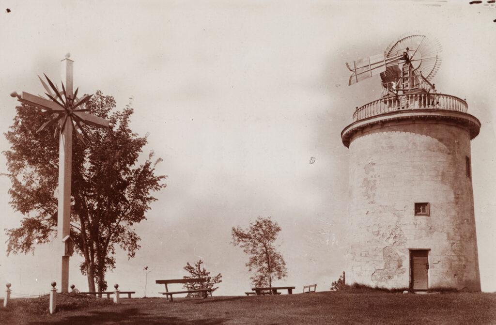 Image d'archive du moulin à vent de Pointe-Claire